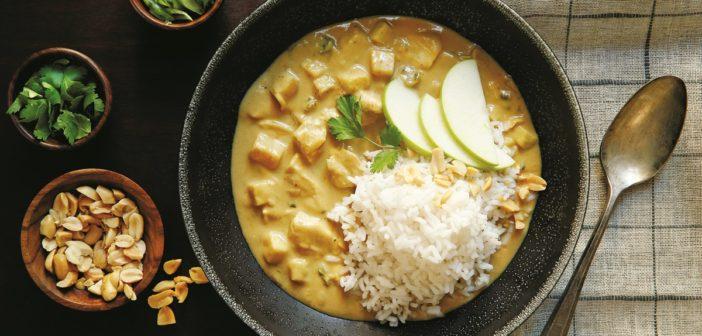 Apple Chicken Peanut Curry
