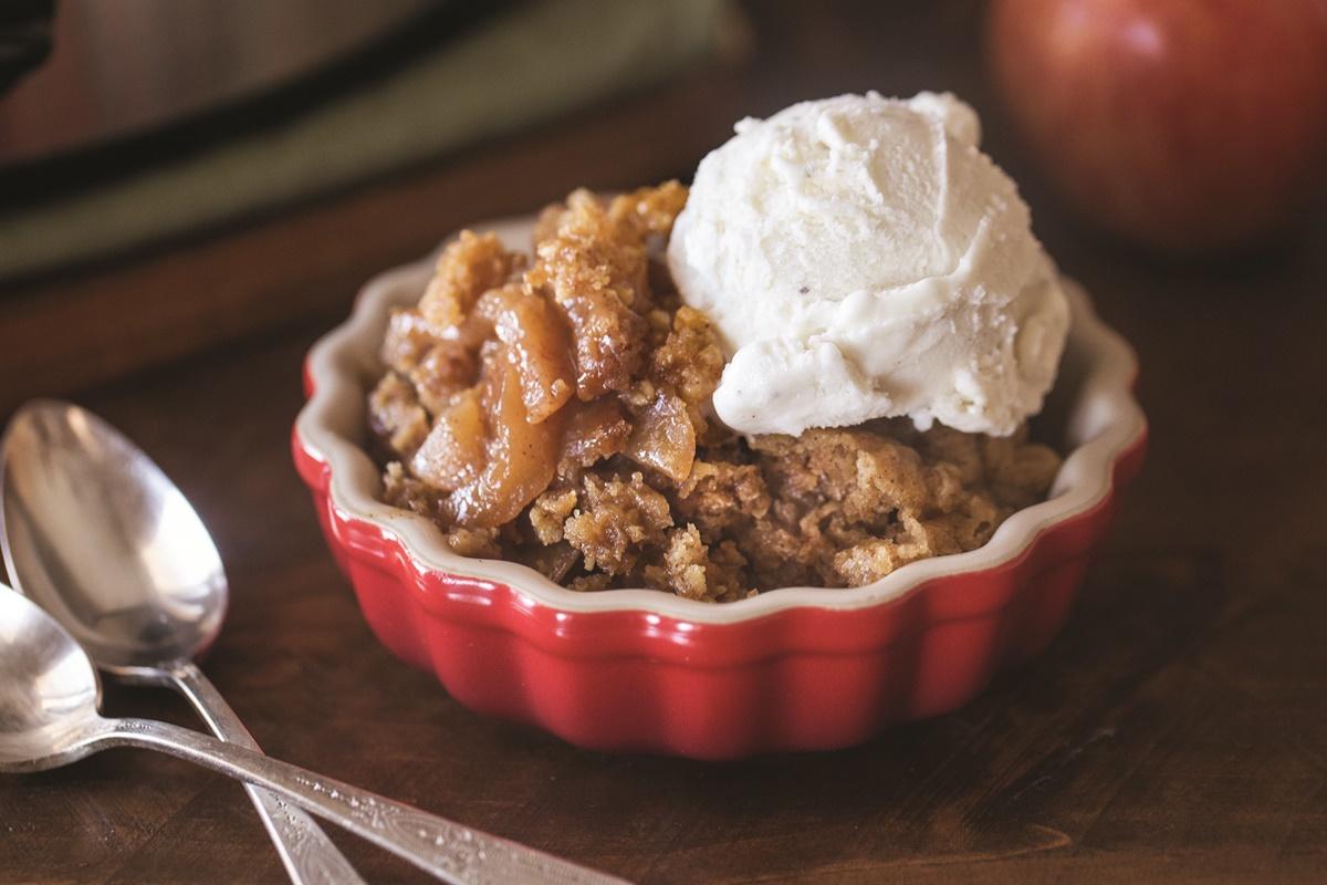 Slow Cooker Apple Cobbler Recipe - Dairy-free & vegan version