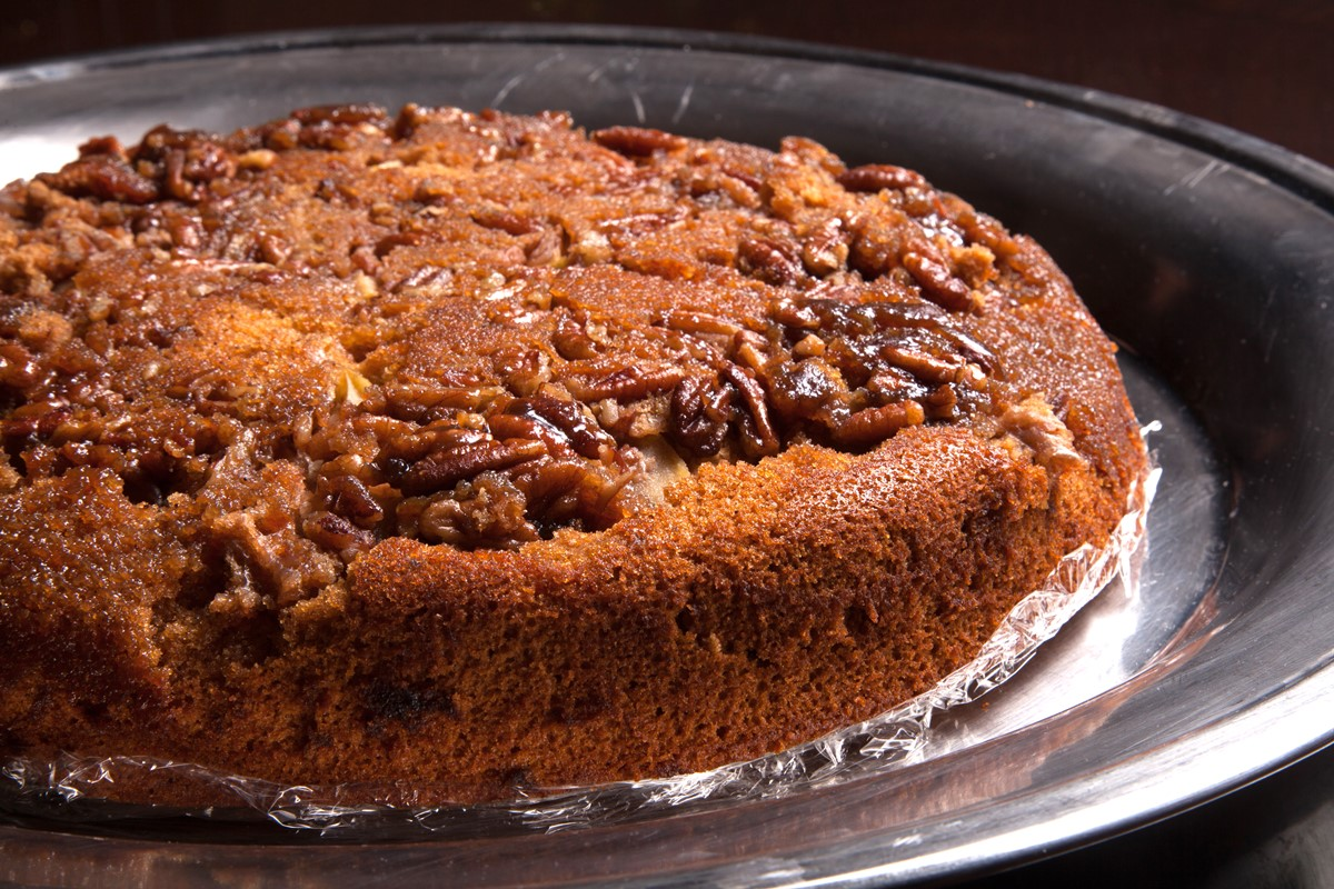 Apple Gingerbread Skillet Cake