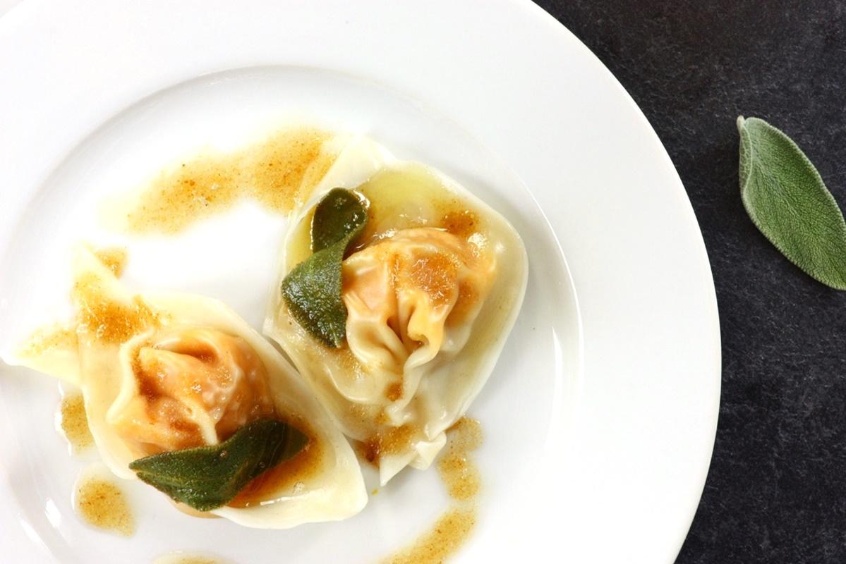 Butternut Squash Tortellini Recipe with Dairy-Free Sage ...