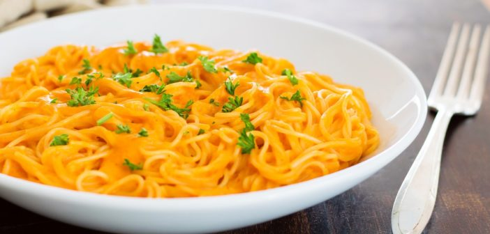 Roasted Red Pepper Pasta: Creamy, Spicy, Easy and Dairy Free!