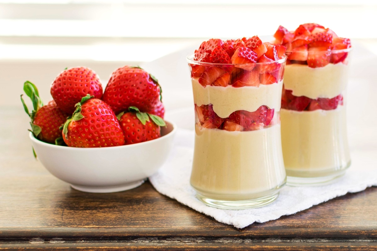 Dairy-Free Strawberry Cheesecake Parfaits Recipe - healthy, creamy, indulgent, gluten-free, vegan, and easy!