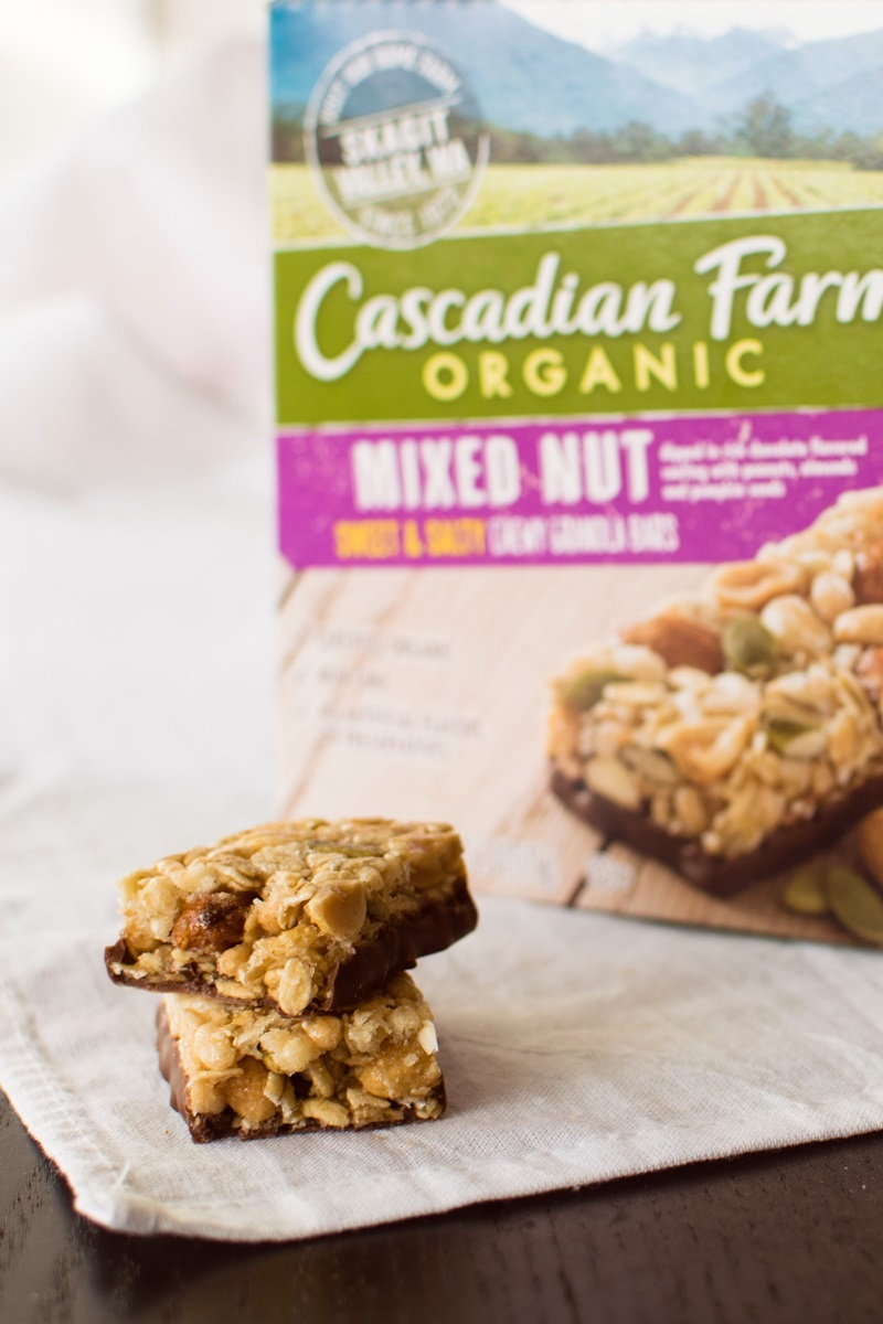 Cascadian Farm Organic Chewy Granola Bars Review - dairy-free and vegan varieties