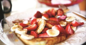 Cinnamon Grilled French Toast Recipe with Strawberry-Banana Sauce - nutritious, dairy-free, gluten-free optional #frenchtoast