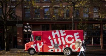 The Juice Truck in Vancouver is serving up cold pressed juices, raw treats, and wholesome bowls - all plant-based and gluten-free!