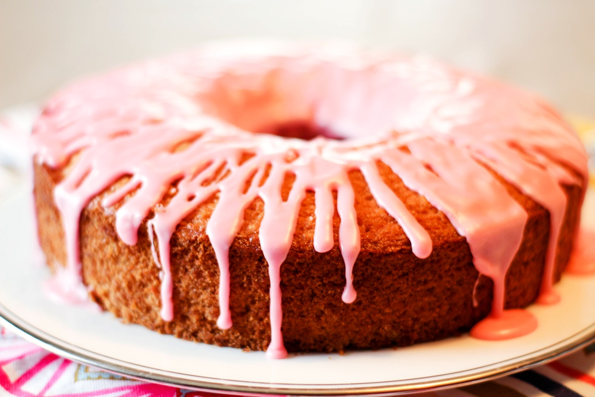 30 Homemade Treats for a Dairy-Free Mother's Day to Remember. PIctured: 7 Silly Eaters Cake with Pink Lemonade Icing