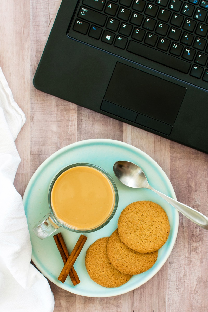 Homemade Dairy-Free Cold Brew Coffee with Snickerdoodle Option (Recipe and How To) - Easy, Affordable, and So Fresh! @so_delicious @target ad