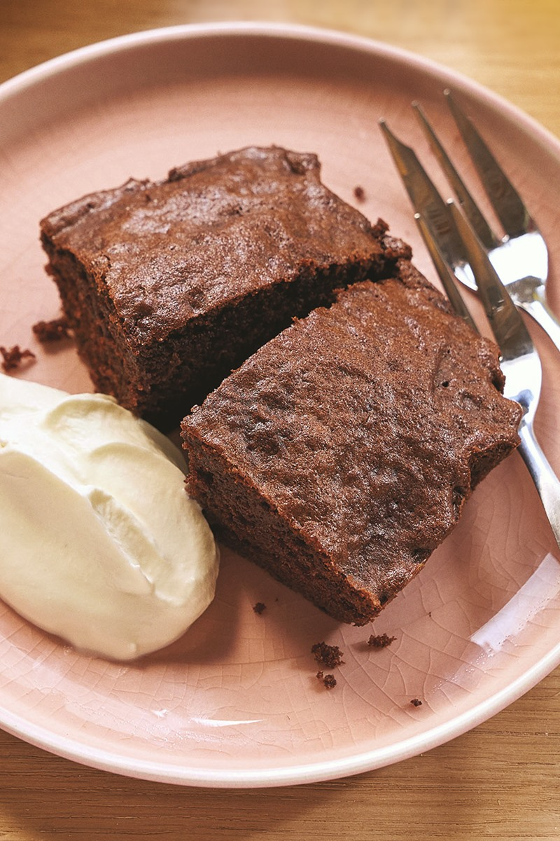 Making Chocolate Cake Without Cocoa Powder