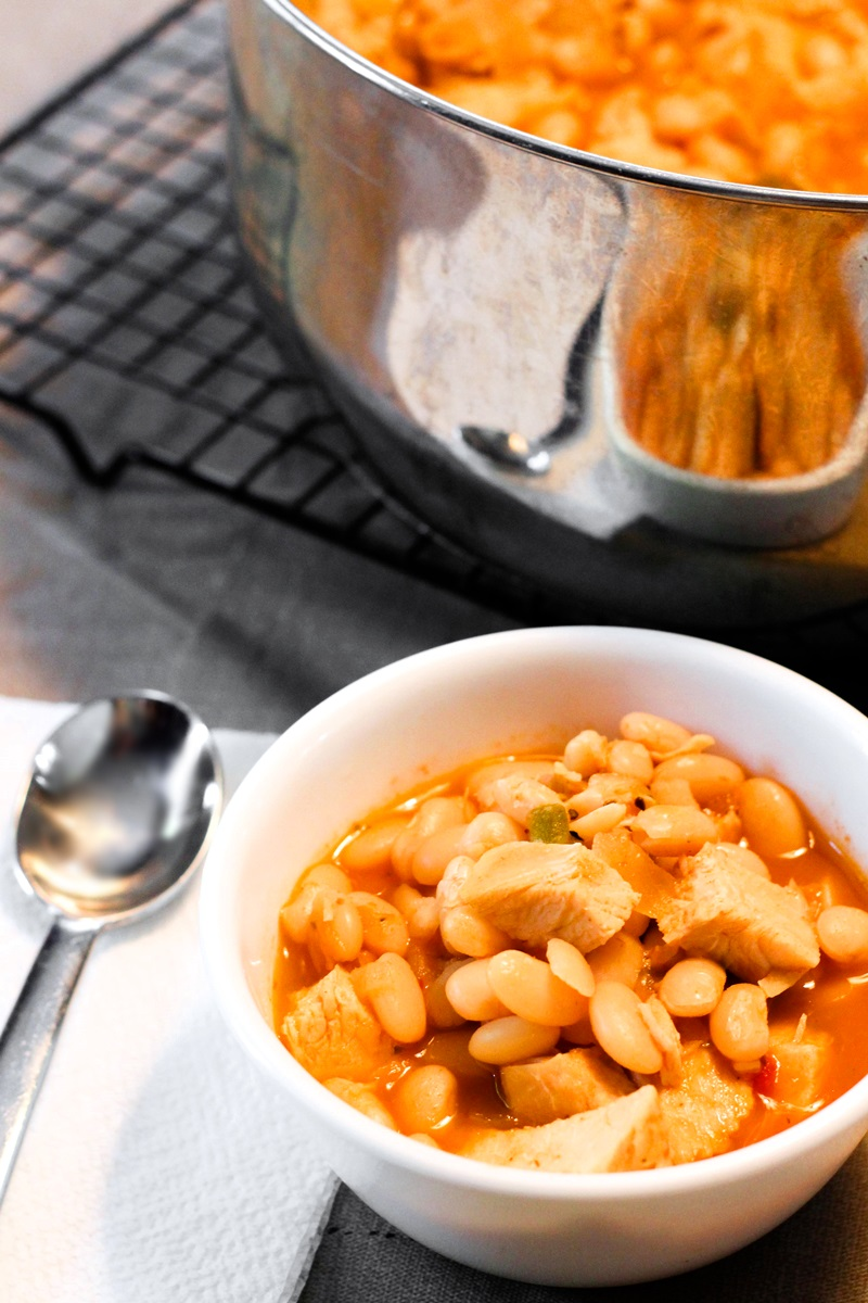 White Bean Chicken Chili Recipe - A Family Favorite That's Naturally Gluten-Free and Allergy-Friendly #chickenchili with Vegan Option