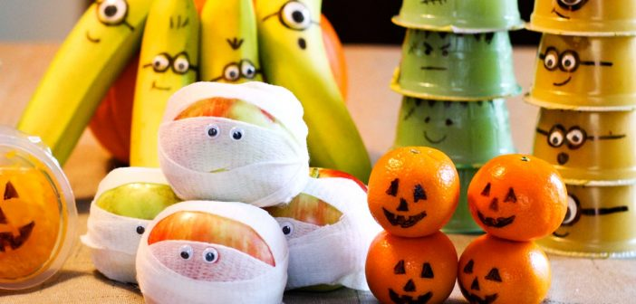 7 Healthy Fruit Halloween Snacks You Can Pack (Crafty with Kids!)