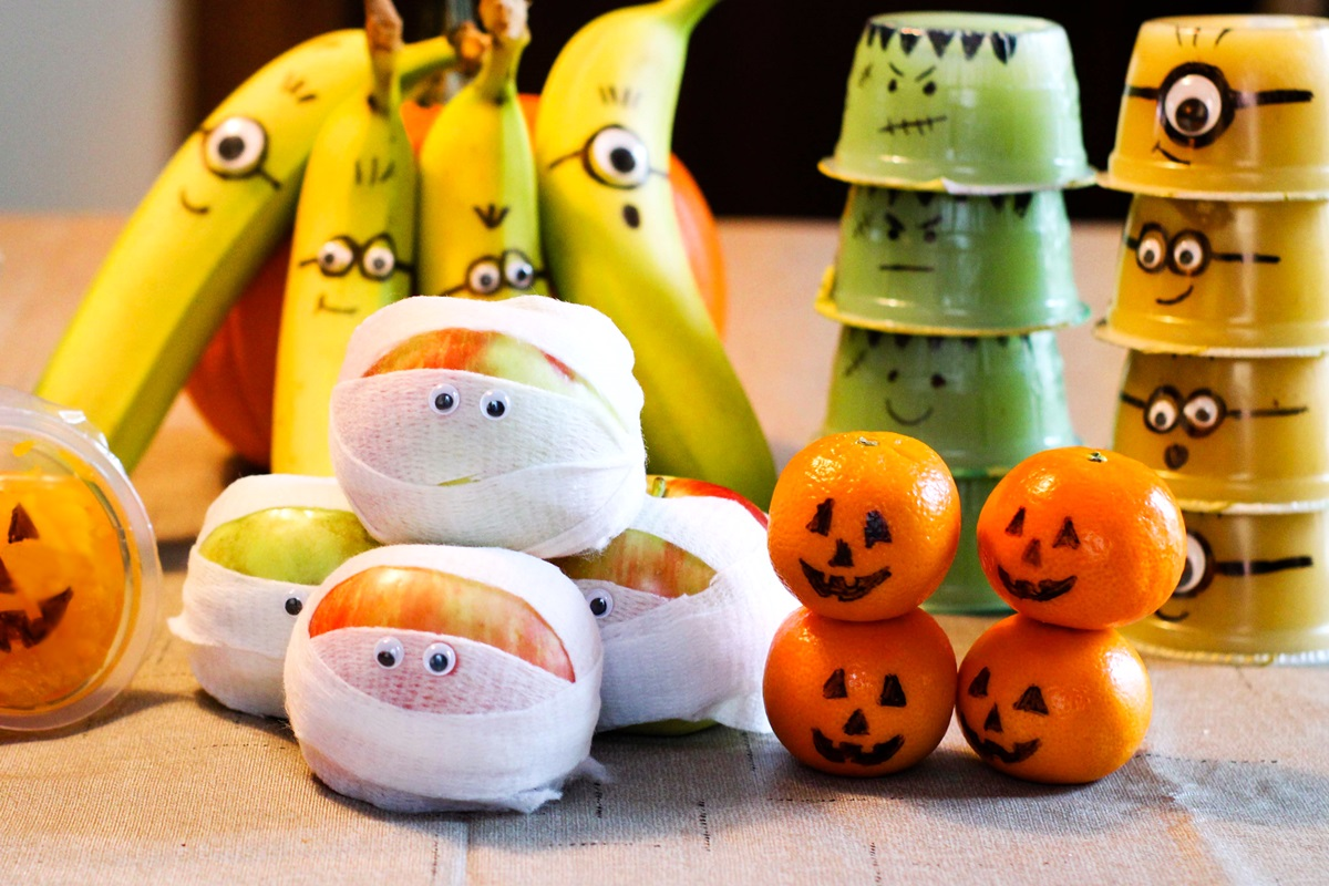 7 Fun Healthy Fruit Halloween Snacks You Can Pack Crafty
