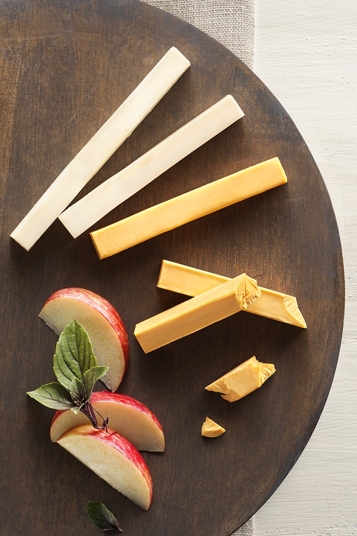 "Daiya Deluxe Cheeze Sticks Offer Two Ways to Snack Dairy-Free - Review, Ratings, Ingredients and More - Vegan and top allergen free ""cheese sticks"""