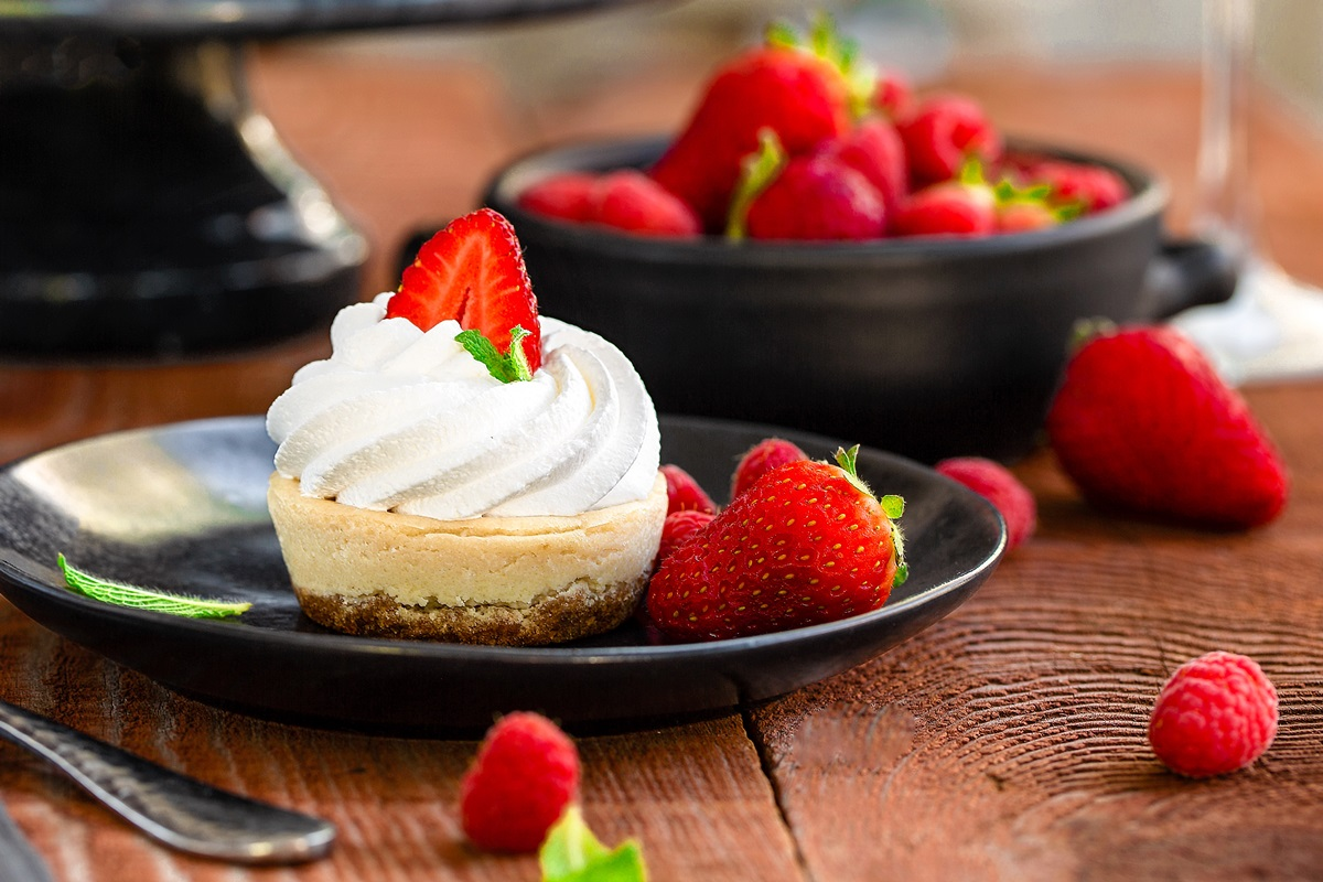 Mini Vegan Cheesecakes Recipe (soy-free and gluten-free optional) - easy, decadent treats for sharing.