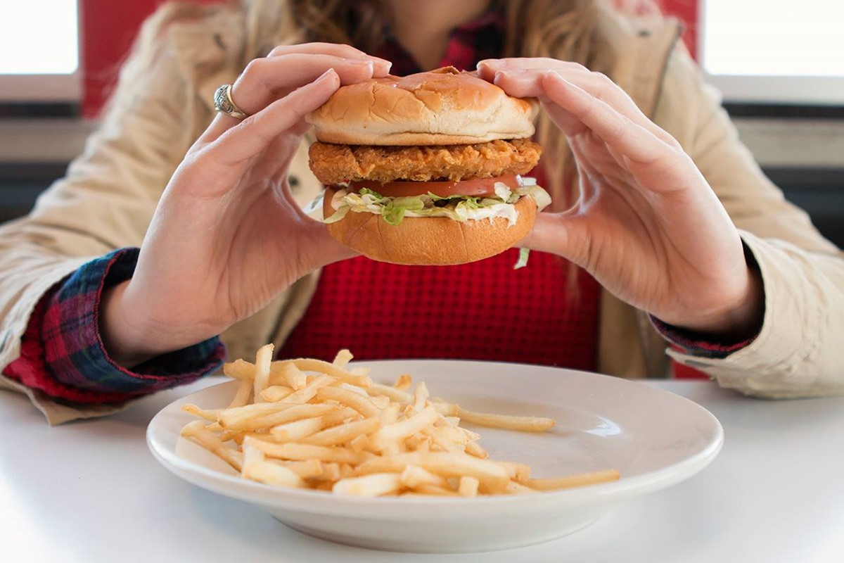Steak n' Shake - All Sizzle for Dairy-Free Diners - Quite a few naturally dairy-free and custom order options, all detailed here ...