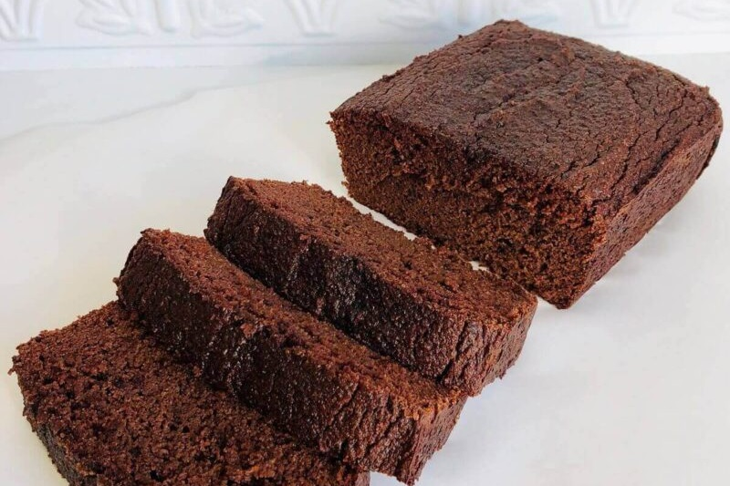 50 Dairy-Free Quick Bread Recipes for Yeastless Baking. All recipes are butterless and completely milk-free and yeast-free. They can also be made egg-free and vegan.