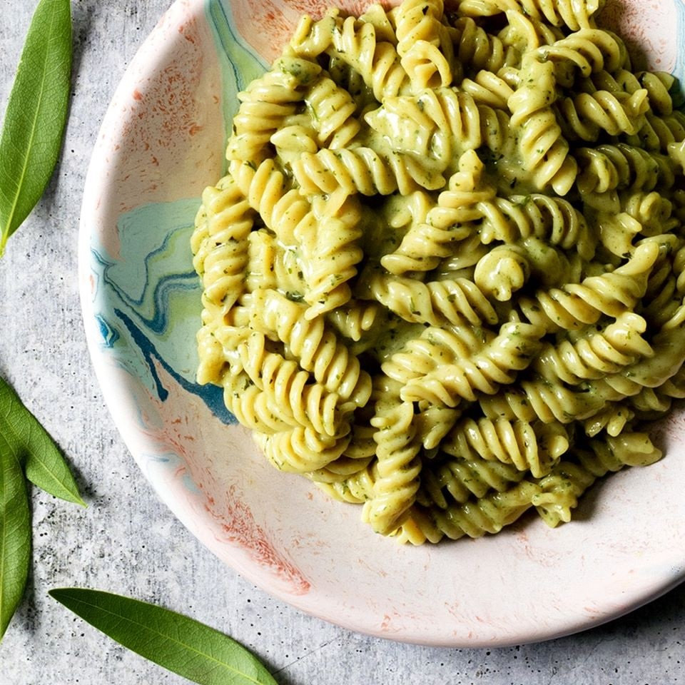 Modern Table Vegan Sauce & Pasta Meals in Alfredo and Creamy Parmesan Reviews & Info - dairy-free, gluten-free, high protein, low glycemic. Pictured: Creamy Parmesan and Herb