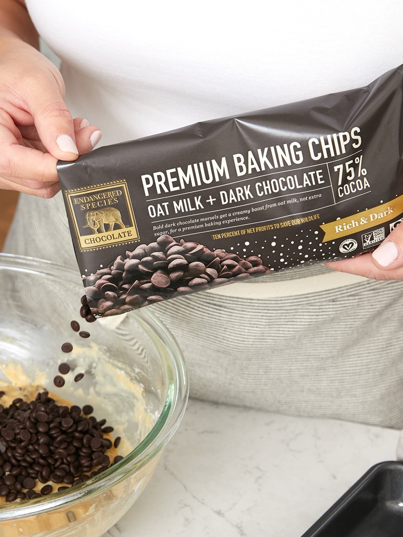 Endangered Species Oat Milk Chocolate Chips Review and Info - Dairy-Free, Gluten-Free and Vegan
