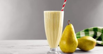 Creamy Pear Almond Smoothie Recipe with Sweet Cinnamon (dairy-free, plant-based, paleo, and healthy!)